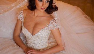 bride in big gown - noellalovelyweddings- jennydixoncouture.com
